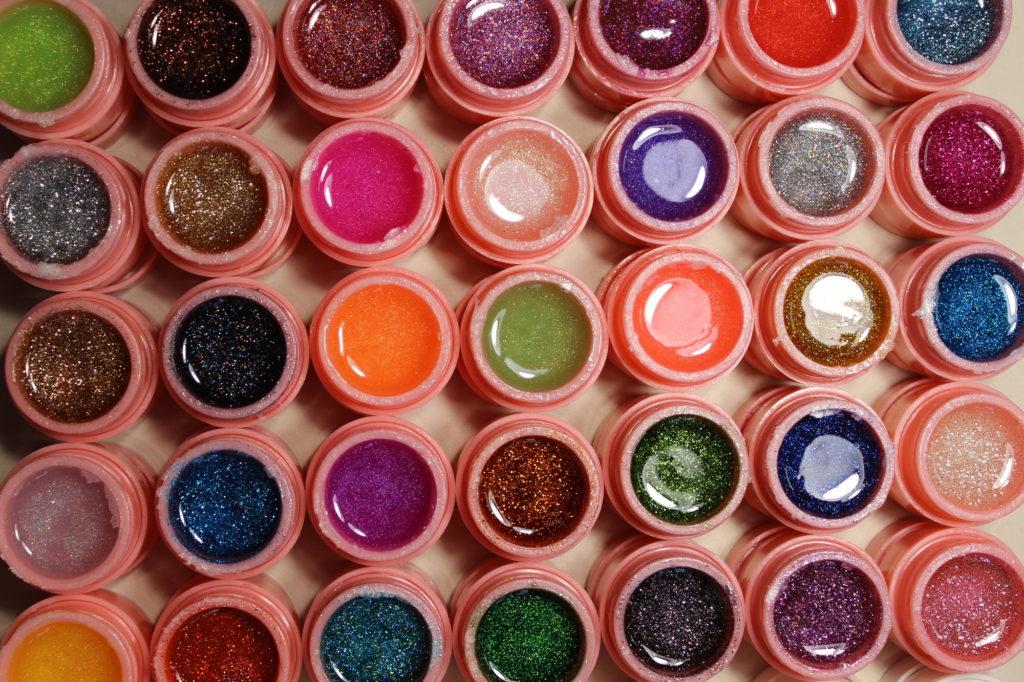 たくさんの色が楽しめるジェルネイル