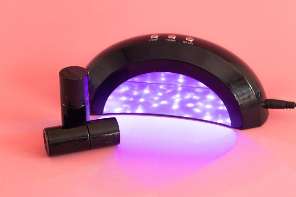 黒の硬化ライト